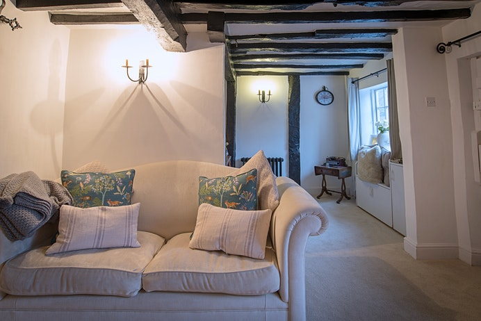 Shambles Cottage, Dunchurch for sale with Mr and Mrs Clarke estate agent