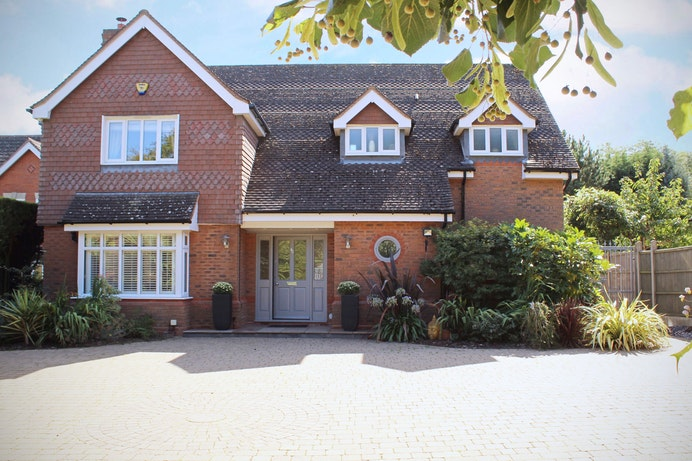 Whitefields Road, Solihull for sale with Mr and Mrs Clarke estate agent