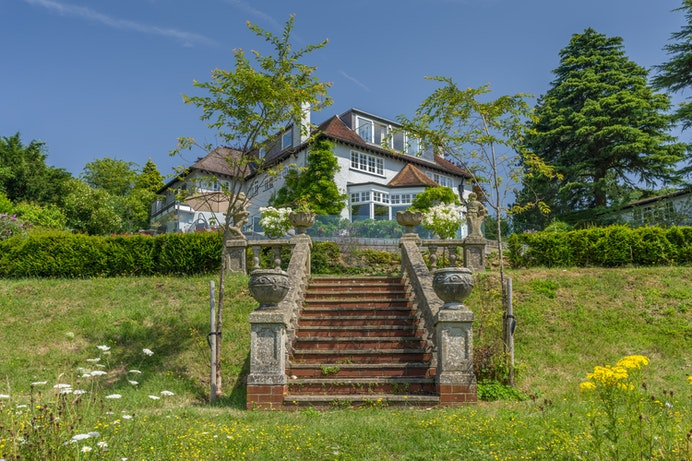 Park View Road, Woldingham for sale with Mr and Mrs Clarke estate agent
