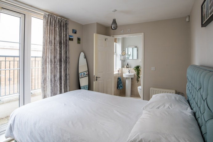 Wharf House, Dickens Heath for sale with Mr and Mrs Clarke estate agent