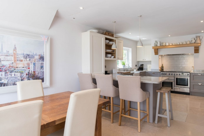 Walton Way Cottage, Wellesbourne for sale with Mr and Mrs Clarke estate agent