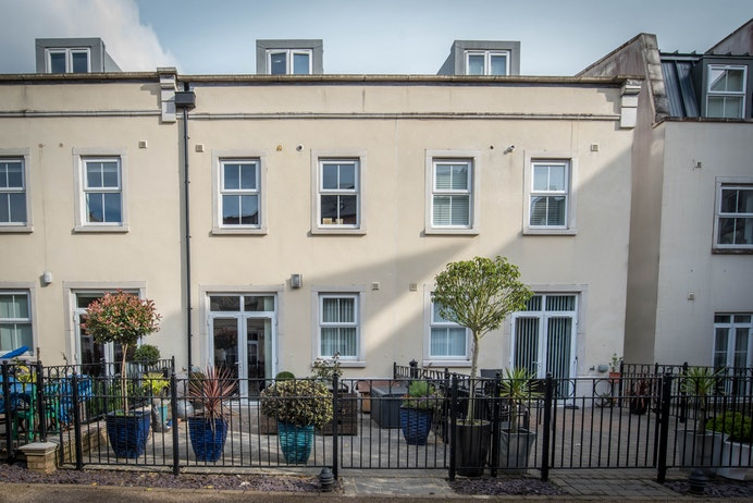 Main Street, Dickens Heath for sale with Mr and Mrs Clarke estate agent