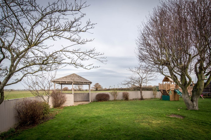 Ham Barn Cottage, Offchurch for sale with Mr and Mrs Clarke estate agent