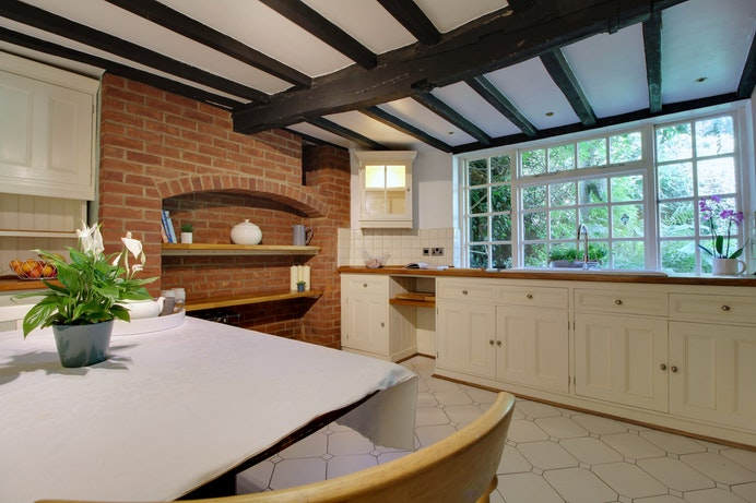 Burnt Cottage, Kenilworth Old Town for sale with Mr and Mrs Clarke estate agent